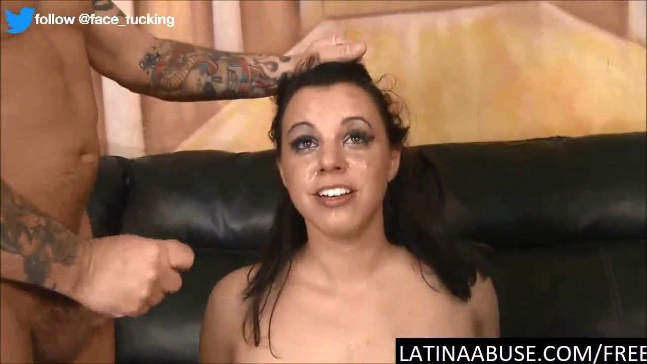 Latin Babe mother I'd like to fuck Receives double penetration